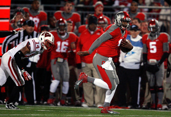 Freshman Braxton Miller escapes a Wisconsin tackle