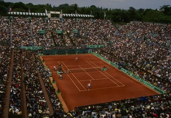 May 1995:  General view of the Centre Court during the Women's Singles final between Steffi Graf of Germany and Aranxta Sanchez Vicario of Spain at the French Open at Roland Garros in Paris. \ Mandatory Credit: Gary M Prior/Allsport