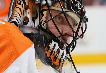 PHILADELPHIA, PA - OCTOBER 29:  Ilya Bryzgalov #30 of the Philadelphia Flyers warms up to play against the Carolina Hurricanes on October 29, 2011 at Wells Fargo Center in Philadelphia, Pennsylvania.  (Photo by Jim McIsaac/Getty Images)