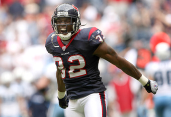 HOUSTON - DECEMBER 14:  Cornerback Fred Bennett #32 of the Houston Texans celebrates after a Texans fumble recovery against the Tennessee Titans on December 14, 2008 at Reliant Stadium in Houston, Texas.  The Texans won 13-12.  (Photo by Stephen Dunn/Gett