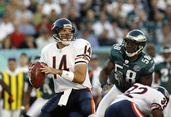 PHILADELPHIA - OCTOBER 21: Brian Griese #14 of the Chicago Bears passes the ball during the game against the Philadelphia Eagles at Lincoln Financial Field October 21, 2007 in Philadelphia, Pennsylvania. (Photo by Kevin C. Cox/Getty Images)