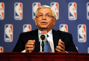 NEW YORK, NY - NOVEMBER 10:  NBA Commissioner David Stern speaks at a press conference after NBA labor negotiations at the New York Helmsley Hotel in the early morning hours of November 10, 2011 in New York City.  (Photo by Patrick McDermott/Getty Images)