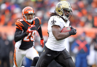 CINCINNATI, OH - DECEMBER 05:  Chris Ivory #29 of the New Orleans Saints runs for a touchdown during the NFL game against the Cincinnati Bengals at Paul Brown Stadium on December 5, 2010 in Cincinnati, Ohio.  The Saints won 34-30.  (Photo by Andy Lyons/Ge