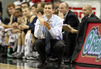 LOUISVILLE, KY - NOVEMBER 16:  Brad Stevens the Head Coach of the Butler Bulldogs gives instructions to his team during the game against the Louisville Cardinals  at the KFC Yum! Center on November 16, 2010 in Louisville, Kentucky.  (Photo by Andy Lyons/G