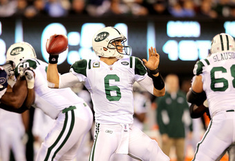 EAST RUTHERFORD, NJ - NOVEMBER 13:  Mark Sanchez #6 of the New York Jets looks to pass against the New England Patriots at MetLife Stadium on November 13, 2011 in East Rutherford, New Jersey.  (Photo by Nick Laham/Getty Images)