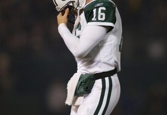 Vinny Testeverde had the greatest season for a QB in Jets history in 1998, but his achilles heel injury in the season opener in 1999 ruined perhaps the best chance the Jets have had to return to the Super Bowl.