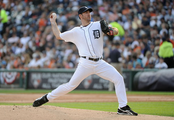 DETROIT, MI - OCTOBER 13:  Justin Verlander #35 of the Detroit Tigers throws a pitch against the Detroit Tigers in Game Five of the American League Championship Series at Comerica Park on October 13, 2011 in Detroit, Michigan.  (Photo by Harry How/Getty I