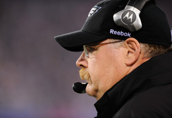 EAST RUTHERFORD, NJ - NOVEMBER 20:  Head coach Andy Reid of the Philadelphia Eagles looks on as he coaches against the New York Giants at MetLife Stadium on November 20, 2011 in East Rutherford, New Jersey.  (Photo by Patrick McDermott/Getty Images)