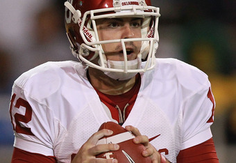 WACO, TX - NOVEMBER 19:  Landry Jones #12 of the Oklahoma Sooners at Floyd Casey Stadium on November 19, 2011 in Waco, Texas.  (Photo by Ronald Martinez/Getty Images)