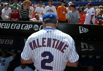 FLUSHING - APRIL 17:  Manager Bobby Valentine of the New York mets signs autographs during the game against the Atlanta Braves at Shea Stadium in Flushing, New York on April 17, 2002. The Braves won 2-1. ( Photo by Al Bello/Getty Images )