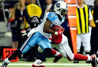ATLANTA, GA - NOVEMBER 20:  Chris Johnson #28 of the Tennessee Titans runs against the Atlanta Falcons during play at the Georgia Dome on November 20, 2011 in Atlanta, Georgia.  (Photo by Grant Halverson/Getty Images)