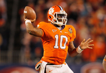 CHARLOTTE, NC - DECEMBER 03:  Tajh Boyd #10 of the Clemson Tigers looks to pass during the ACC Championship game against the Virginia Tech Hokies at Bank of America Stadium on December 3, 2011 in Charlotte, North Carolina.  (Photo by Mike Ehrmann/Getty Im