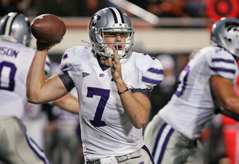 STILLWATER, OK - NOVEMBER 5:  Quarterback Collin Klein #7 of the Kansas State Wildcats looks to throw in the first half against the Oklahoma State Cowboys on November 5, 2011 at Boone Pickens Stadium in Stillwater, Oklahoma.  Oklahoma State defeated Kansa