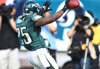MIAMI GARDENS, FL - DECEMBER 11: Running back LeSean McCoy #25 of the Philadelphia Eagles celebrates a touchdown against the Miami Dolphins at Sun Life Stadium on December 11, 2011 in Miami Gardens, Florida.  (Photo by Marc Serota/Getty Images)