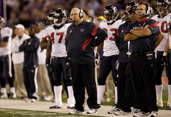BALTIMORE, MD - OCTOBER 16: Defensive coordinator Wade Phillips of the Houston Texans looks from the sidelines against the Baltimore Ravens at M&T Bank Stadium on October 16, 2011 in Baltimore, Maryland. The Ravens won 29-14.  (Photo by Rob Carr/Getty Ima