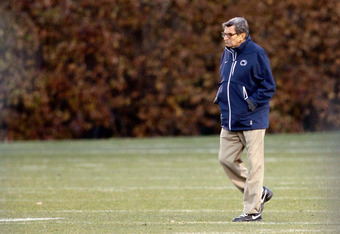 STATE COLLEGE, PA - NOVEMBER 09:  Penn State University head football coach Joe Paterno watches his team during practice on November 9, 2011 in State College, Pennsylvania.  (Photo by Rob Carr/Getty Images)