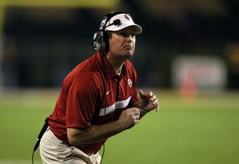 WACO, TX - NOVEMBER 19:  Head coach Bob Stoops of the Oklahoma Sooners at Floyd Casey Stadium on November 19, 2011 in Waco, Texas.  (Photo by Ronald Martinez/Getty Images)