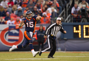 DENVER, CO - DECEMBER 11:  Quarterback Tim Tebow #15 of the Denver Broncos throws the ball against the Chicago Bears at Sports Authority Field at Mile High on December 11, 2011 in Denver, Colorado. (Photo by Justin Edmonds/Getty Images)