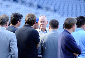 WASHINGTON, DC - APRIL 26:  General Manager Sandy Alderson of the New York Mets talks to reporters before the game against the Washington Nationals at Nationals Park on April 26, 2011 in Washington, DC.  (Photo by Greg Fiume/Getty Images)
