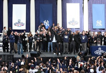 NEW YORK - NOVEMBER 06:  The New York Yankees wave to the crowd at the conclusion of the New York Yankees World Series Victory Celebration at City Hall on November 6, 2009 in New York, New York.  (Photo by Jim McIsaac/Getty Images)
