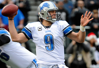 OAKLAND, CA - DECEMBER 18: Matthew Stafford #9 of the Detroit Lions drops back to pass against the Oakland Raiders at O.co Coliseum on December 18, 2011 in Oakland, California.  (Photo by Thearon W. Henderson/Getty Images)