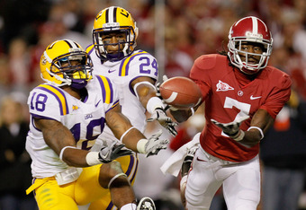 TUSCALOOSA, AL - NOVEMBER 05:  Kenny Bell #7 of the Alabama Crimson Tide fails to pull in his touchdown attempt against Brandon Taylor #18 and Tharold Simon #24 of the LSU Tigers at Bryant-Denny Stadium on November 5, 2011 in Tuscaloosa, Alabama.  (Photo