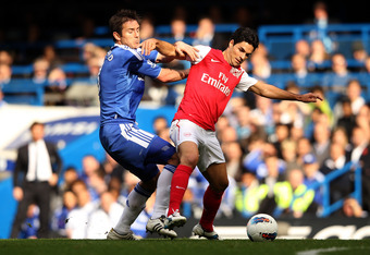 LONDON, ENGLAND - OCTOBER 29:  Mikel Arteta of Arsenal battles for the ball with Frank Lampard of Chelsea during the Barclays Premier League match between Chelsea and Arsenal at Stamford Bridge on October 29, 2011 in London, England.  (Photo by Ian Walton
