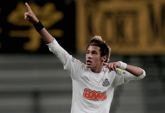 TOYOTA, JAPAN - DECEMBER 14: Neymar of Santos Futebol Clube celebrates his goal during the FIFA Club World Cup semi final match between Kashiwa Reysol and Santos at Toyota Stadium on December 14, 2011 in Toyota, Japan.(Photo by Lintao Zhang/Getty Images)