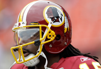 LANDOVER, MD - SEPTEMBER 18:  Donte' Stallworth #19 of the Washington Redskins warms up before the start of the Redskins game Arizona Cardinals at FedExField on September 18, 2011 in Landover, Maryland.  (Photo by Rob Carr/Getty Images)