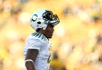 BERKELEY, CA - NOVEMBER 13:  LaMichael James #21 of the Oregon Ducks warms up before their game against the California Golden Bears  at California Memorial Stadium on November 13, 2010 in Berkeley, California.  (Photo by Ezra Shaw/Getty Images)