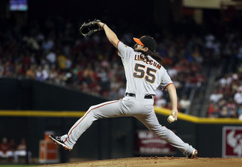 PHOENIX, AZ - SEPTEMBER 25:  Starting pitcher Tim Lincecum #55 of the San Francisco Giants pitches against the Arizona Diamondbacks during the Major League Baseball game at Chase Field on September 25, 2011 in Phoenix, Arizona. The Diamondbacks defeated G
