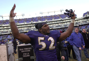 31 Dec 2000:  Ray Lewis #52 of the Baltimore Ravens reacts to the crowd as he leaves the field following the Ravens 21-3 defeat over the Denver Broncos in their AFC Wildcard playoff game at PSINet Stadium in Baltimore, Maryland. DIGITAL IMAGE Mandatory Cr
