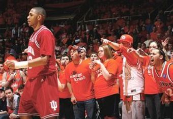 Illini's Orange Krush give Gordon a warm reception in 2008