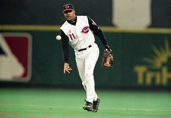 4 Oct 1999:  Barry Larkin #11 of the Cincinnati Reds throws the ball during a game against the New York Mets  at Cinergy Field in Cincinnati, Ohio. The Mets defeated the Reds 5-0. Mandatory Credit: Andy Lyons  /Allsport