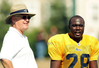 Martz with Marshall Faulk