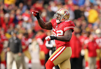 SAN FRANCISCO, CA - NOVEMBER 20:  Patrick Willis #52 of the San Francisco 49ers celebrates after a tackle against the Arizona Cardinals at Candlestick Park on November 20, 2011 in San Francisco, California.  (Photo by Ezra Shaw/Getty Images)