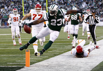 EAST RUTHERFORD, NJ - DECEMBER 11:  Shonn Greene #23 of the New York Jets tries to stay in bounds on a run during a game against the Kansas City Chiefs at MetLife Stadium on December 11, 2011 in East Rutherford, New Jersey.  (Photo by Jeff Zelevansky/Gett