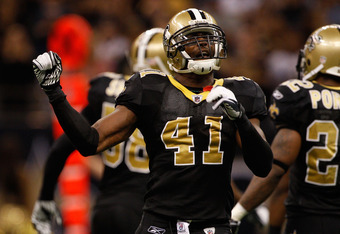 NEW ORLEANS, LA - DECEMBER 04:  Strong safety Roman Harper #41 of the New Orleans Saints reacts to a play against the Detroit Lions at Mercedes-Benz Superdome on December 4, 2011 in New Orleans, Louisiana.  (Photo by Chris Graythen/Getty Images)