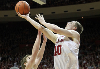 BLOOMINGTON, IN - JANUARY 05:  Cody Zeller #40 of the Indiana Hoosiers shoots the ball during the Big Ten Conference game against the Michigan Wolverines at Assembly Hall on January 5, 2012 in Bloomington, Indiana.  (Photo by Andy Lyons/Getty Images)