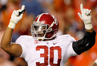 AUBURN, AL - NOVEMBER 26:  Dont'a Hightower #30 of the Alabama Crimson Tide calls the defense against the Auburn Tigers at Jordan-Hare Stadium on November 26, 2011 in Auburn, Alabama.  (Photo by Kevin C. Cox/Getty Images)