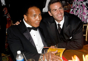 PHOENIX - MARCH 28: Muhammad Ali and NFL player Kurt Warner pose during Muhammad Ali's Celebrity Fight Night XV held at the JW Marriott Desert Ridge Resort & Spa on March 28, 2009 in Phoenix, Arizona.  (Photo by Michael Buckner/Getty Images for Celebrity
