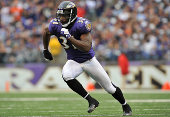 BALTIMORE - NOVEMBER 20:  Bernard Pollard #31 of the Baltimore Ravens defends against the Cincinnati Bengals at M&T Bank Stadium on November 20, 2011 in Baltimore, Maryland. The Ravens defeated the Bengals 31-24. (Photo by Larry French/Getty Images)