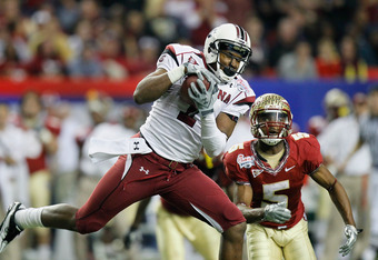 ATLANTA, GA - DECEMBER 31:  Alshon Jeffery #1 of the South Carolina Gamecocks pulls in this reception against Greg Reid #5 of the Florida State Seminoles during the 2010 Chick-fil-A Bowl at Georgia Dome on December 31, 2010 in Atlanta, Georgia.  (Photo by