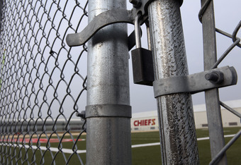 Many former employees have claimed that the atmosphere inside the Kansas City Chiefs has become one of secrecy and fear since the hiring of Scott Pioli as GM.