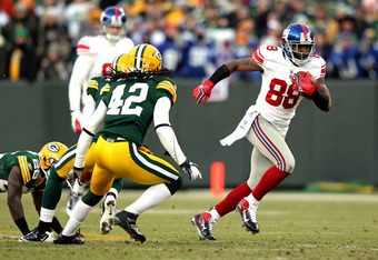 GREEN BAY, WI - JANUARY 15:  Hakeem Nicks #88 of the New York Giants in action against the Green Bay Packers during their NFC Divisional playoff game at Lambeau Field on January 15, 2012 in Green Bay, Wisconsin.  (Photo by Jamie Squire/Getty Images)