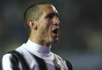 BERGAMO, ITALY - JANUARY 21:  Giorgio Chiellini of Juventus FC celebrates a victory at the end of the Serie A match between Atalanta BC and Juventus FC at Stadio Atleti Azzurri d'Italia on January 21, 2012 in Bergamo, Italy.  (Photo by Marco Luzzani/Getty