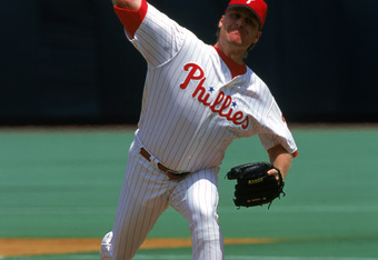 PHILADELPHIA - JUNE 4:  Pitcher Curt Schilling #38 of the Philadelphia Phillies pitches during an MLB game on June 4, 2000 against the Boston Red Sox at Veterans Stadium in Philadelphia, Pennsylvania. The Phillies defeated the Sox 6-5. (Photo by Doug Pens