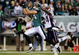 PHILADELPHIA, PA - NOVEMBER 27:  Riley Cooper #14 of the Philadelphia Eagles makes a 58 yard reception in the first quarter against Kyle Arrington #24 of the New England Patriots at Lincoln Financial Field on November 27, 2011 in Philadelphia, Pennsylvani