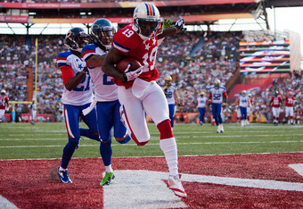 HONOLULU, HI - JANUARY 29:  Brandon Marshall #19 of the Miami Dolphins scores a touchdown during the second quarter of the 2012 NFL Pro Bowl against the NFC team at Aloha Stadium on January 29, 2012 in Honolulu, Hawaii.  (Photo by Kent Nishimura/Getty Ima