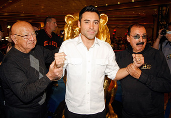 Angelo Dundee, left with World Champion boxer Oscar De La Hoya in 2008.